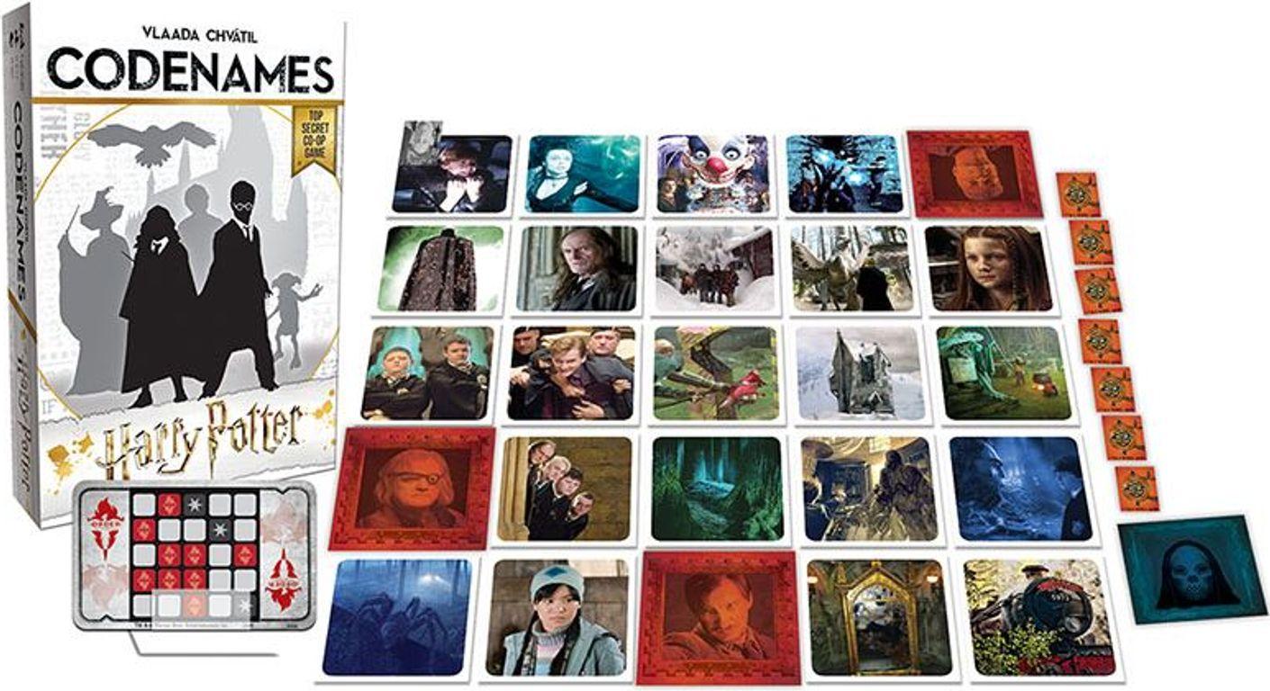 Codenames: Harry Potter components