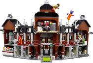 LEGO® Batman Movie Arkham Asylum back side