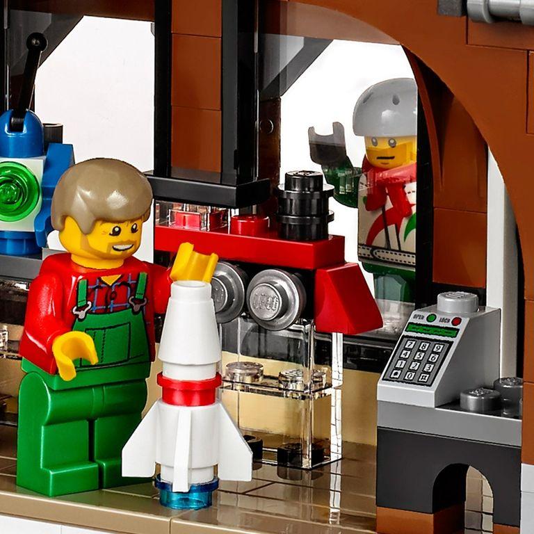 LEGO® Creator Expert Winter Toy Shop miniatures