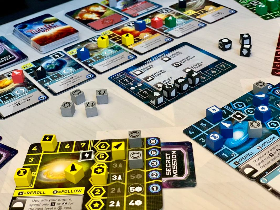 Ultra-Tiny Epic Galaxies gameplay