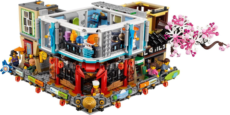 LEGO® Ninjago City gameplay