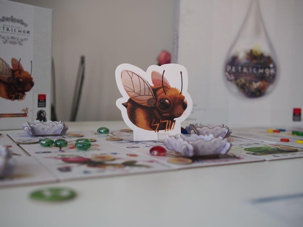 Petrichor: Honeybee components