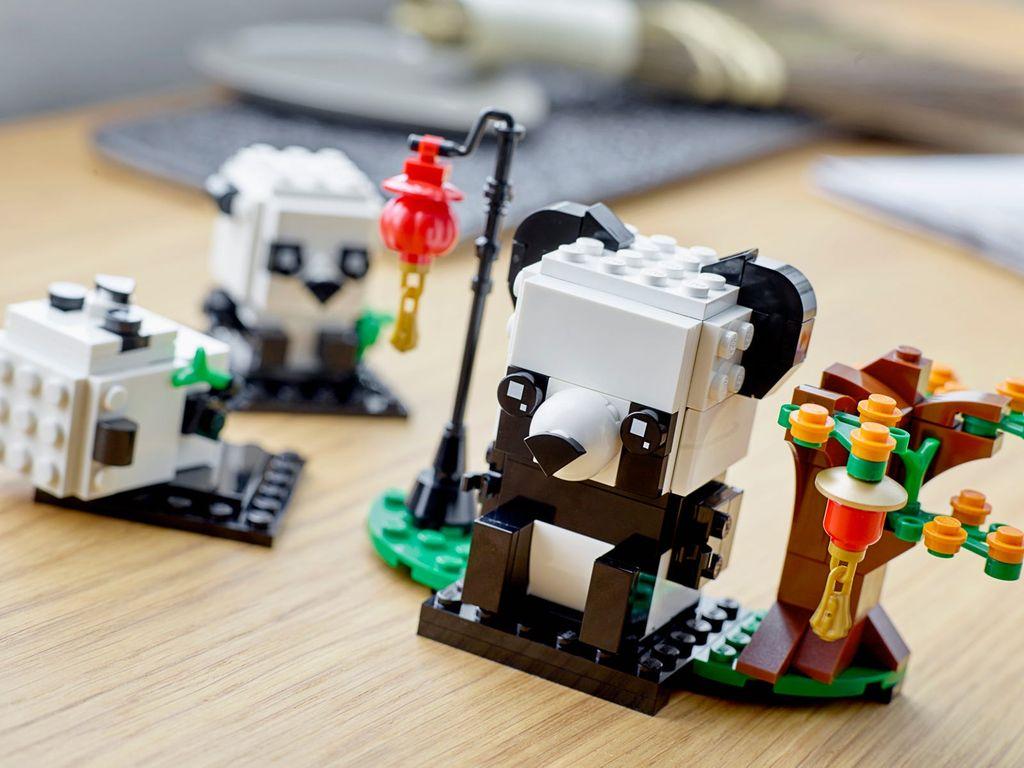 LEGO® BrickHeadz™ Chinese New Year Pandas components