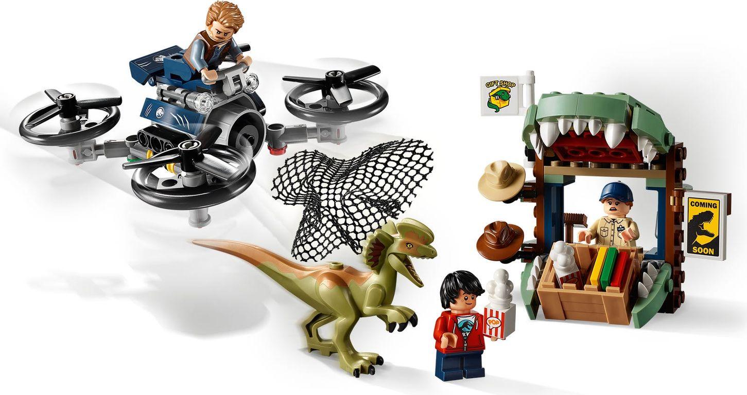 LEGO® Jurassic World Dilophosaurus on the Loose gameplay