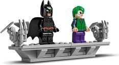 LEGO® DC Superheroes Batman™ Batmobile™ Tumbler minifigures