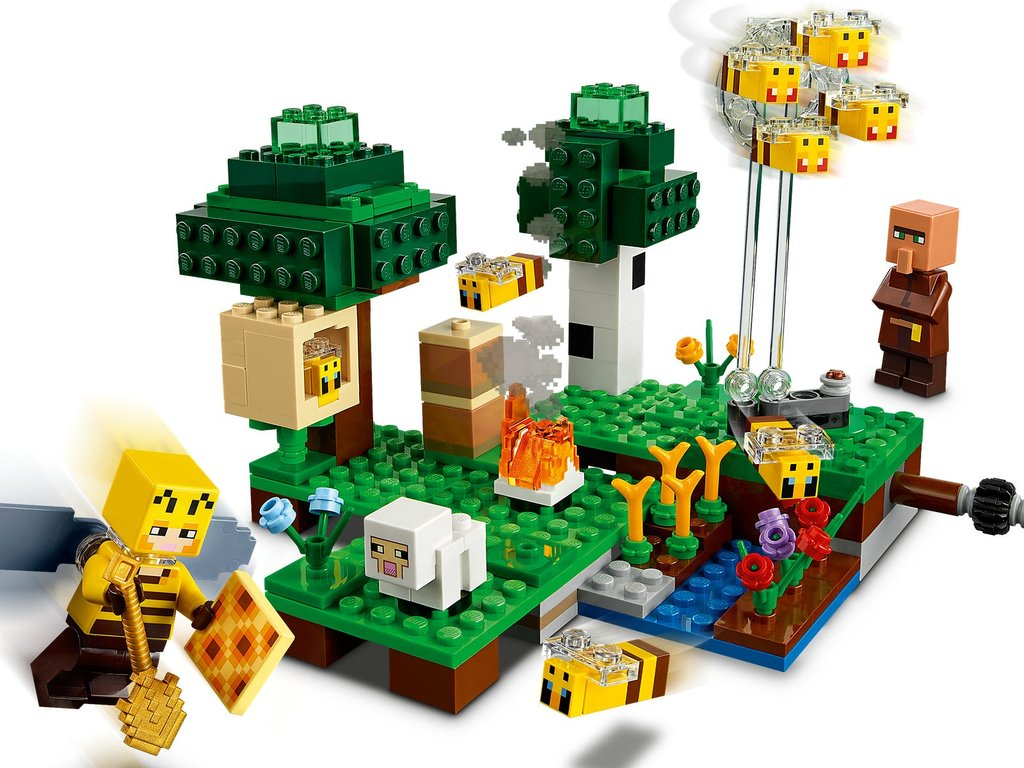 LEGO® Minecraft The Bee Farm gameplay