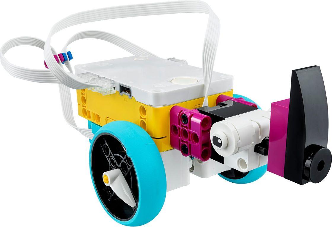SPIKE™ Prime Set components