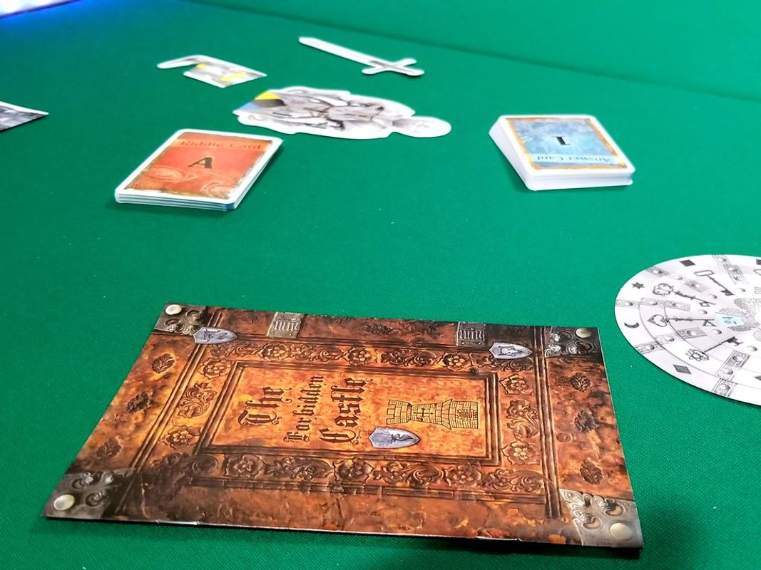 EXIT: The Game - The Forbidden Castle components