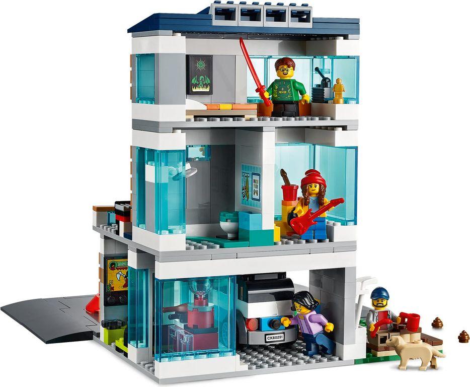 LEGO® City Family House gameplay