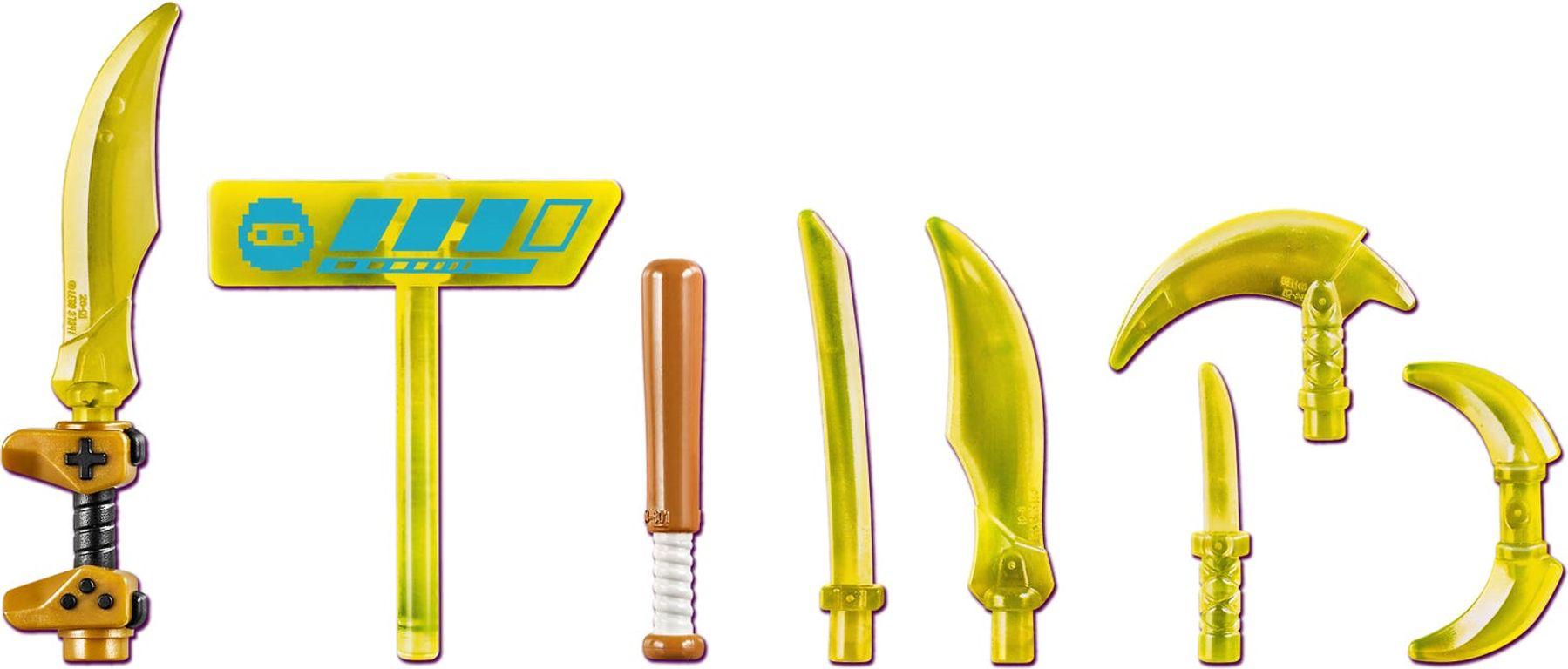 LEGO® Ninjago Lloyd Avatar - Arcade Pod weapons