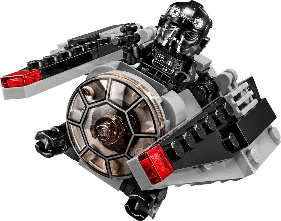 LEGO® Star Wars TIE Striker™ Microfighter gameplay