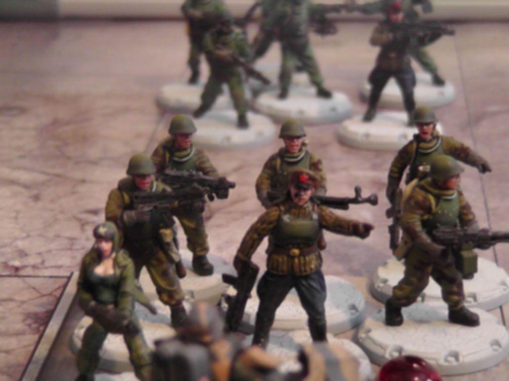 "Dust Tactics: SSU Battle Squad - ""Frontoviki"" miniatures"