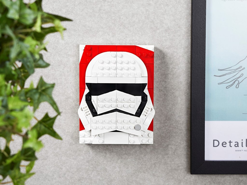 LEGO® Brick Sketches™ First Order Stormtrooper™ components