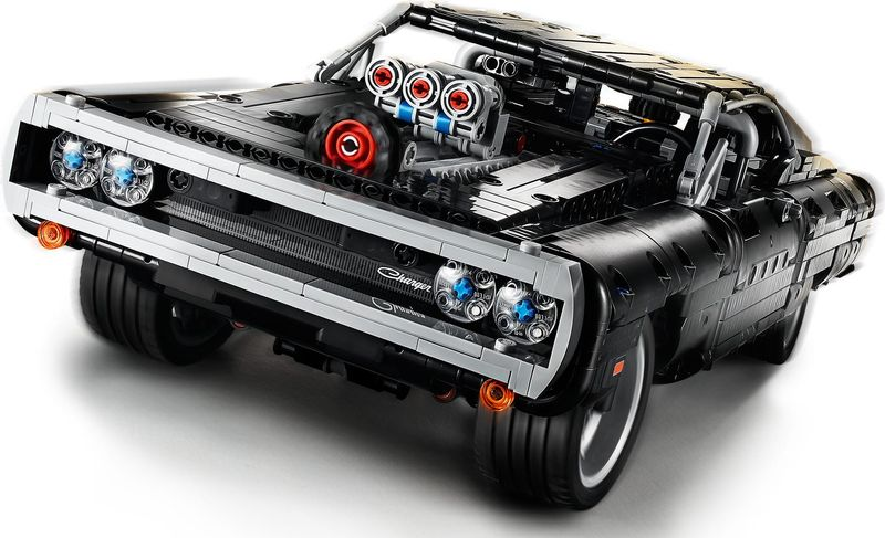 LEGO® Technic Dom's Dodge Charger components