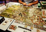 Heroes of Normandie: Sainte-Mere Eglise gameplay