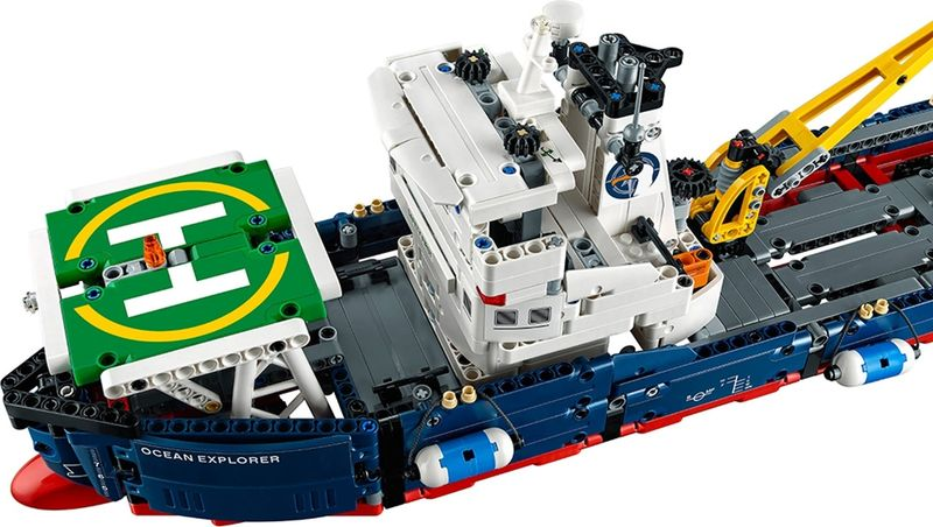 LEGO® Technic Ocean Explorer components