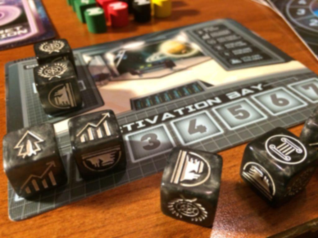 Tiny Epic Galaxies gameplay