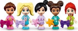LEGO® Friends Advent Calendar 2021 minifigures