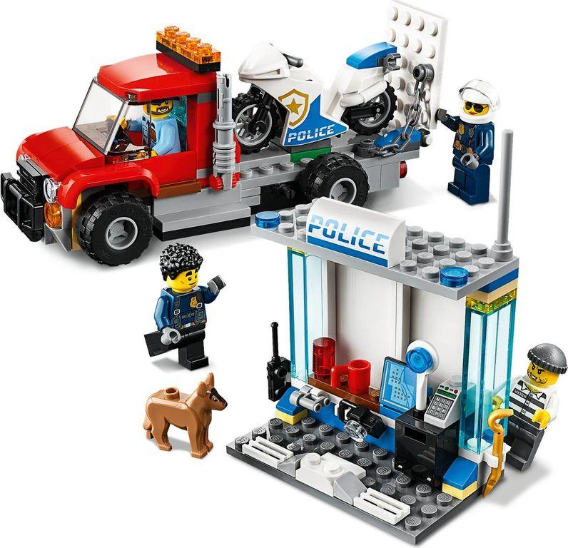 Police Brick Box gameplay