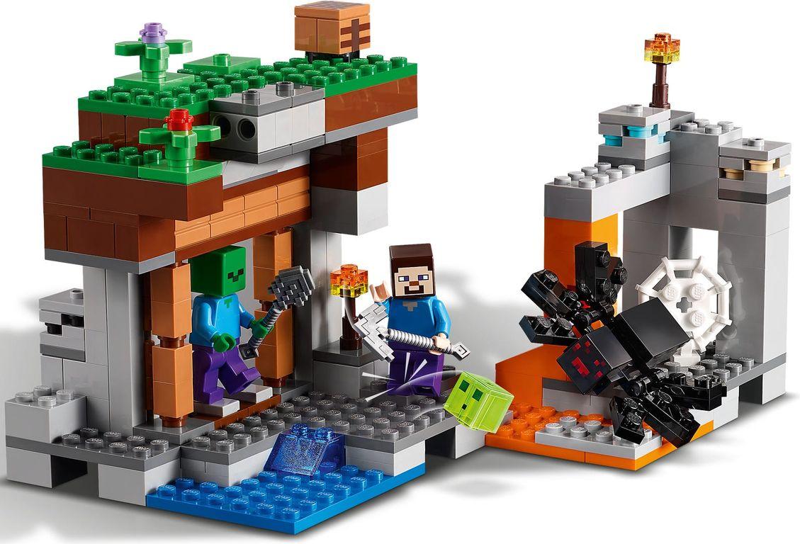 """LEGO® Minecraft The """"Abandoned"""" Mine gameplay"""