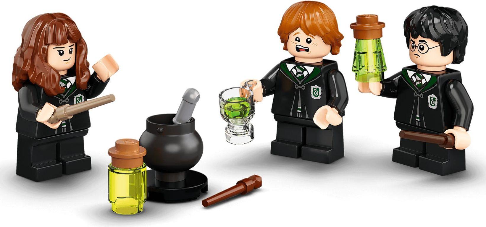 LEGO® Harry Potter™ Hogwarts™: Polyjuice Potion Mistake minifigures