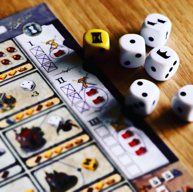 Kingsburg: The Dice Game gameplay