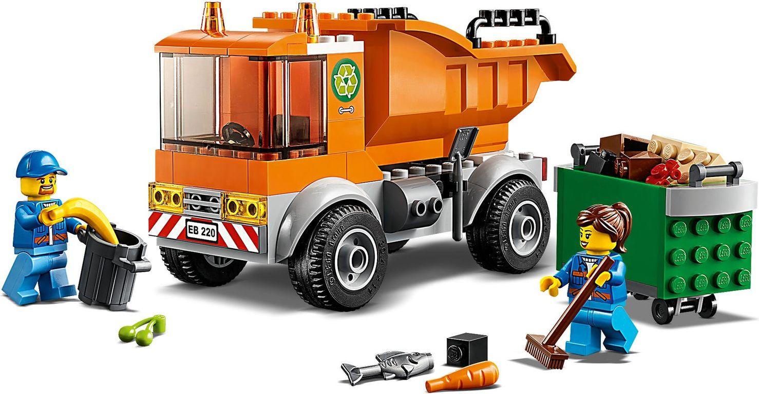 LEGO® City Garbage Truck gameplay