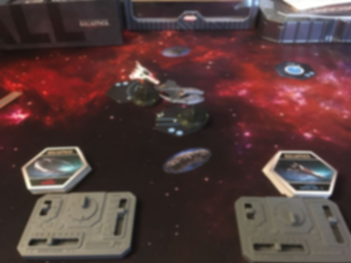 Battlestar Galactica: Starship Battles gameplay