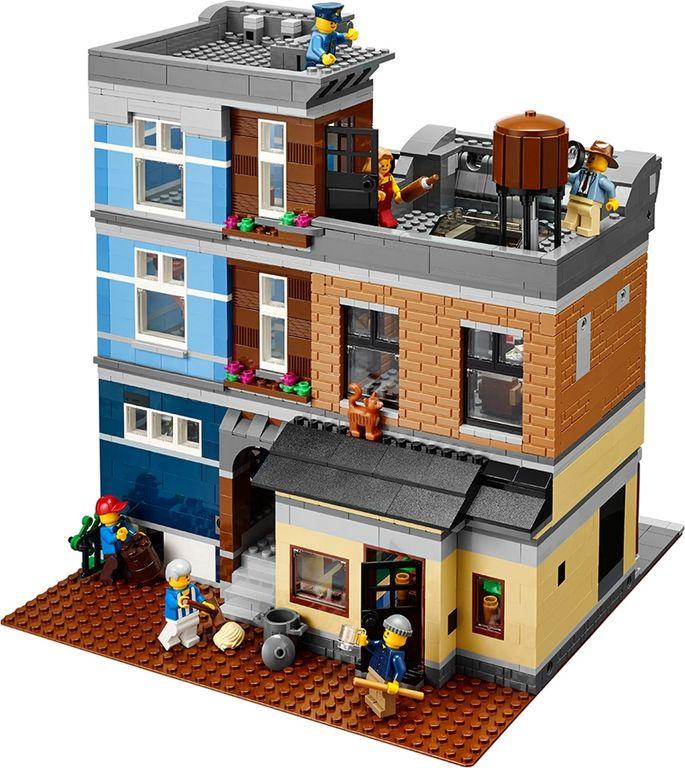 LEGO® Creator Expert Detective's Office back side