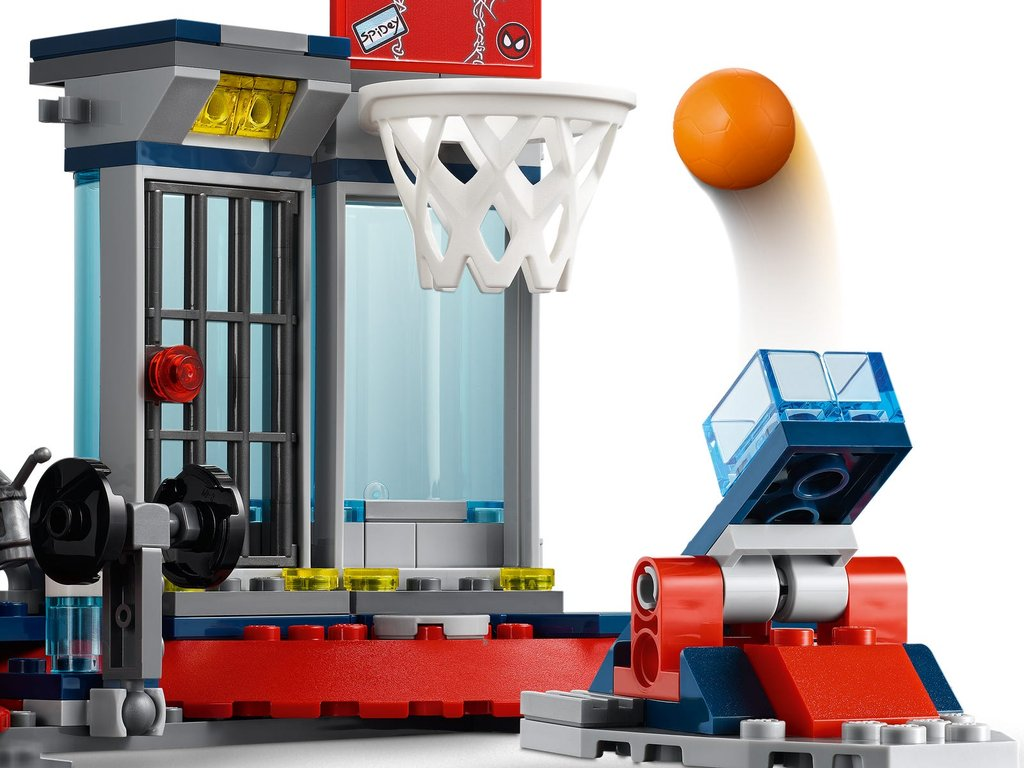 LEGO® Marvel Attack on the Spider Lair components