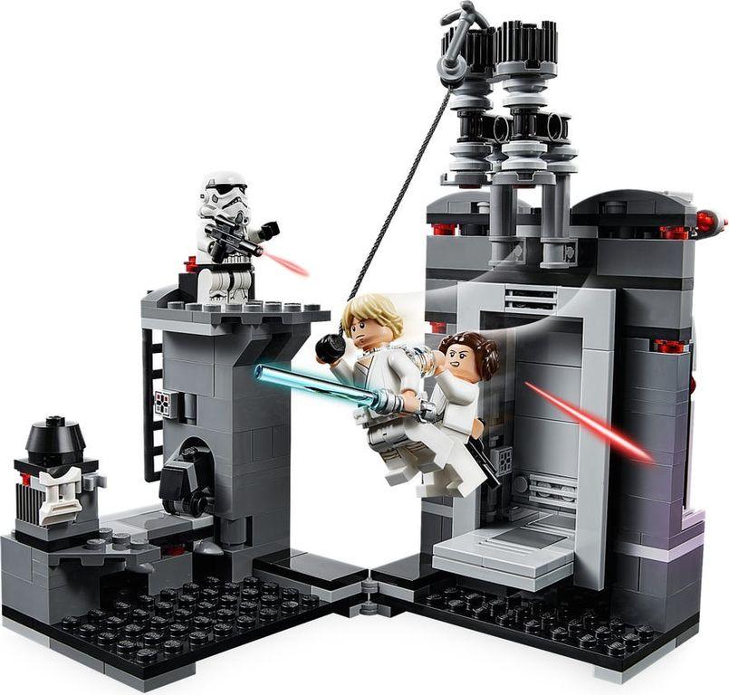 LEGO® Star Wars Death Star™ Escape gameplay