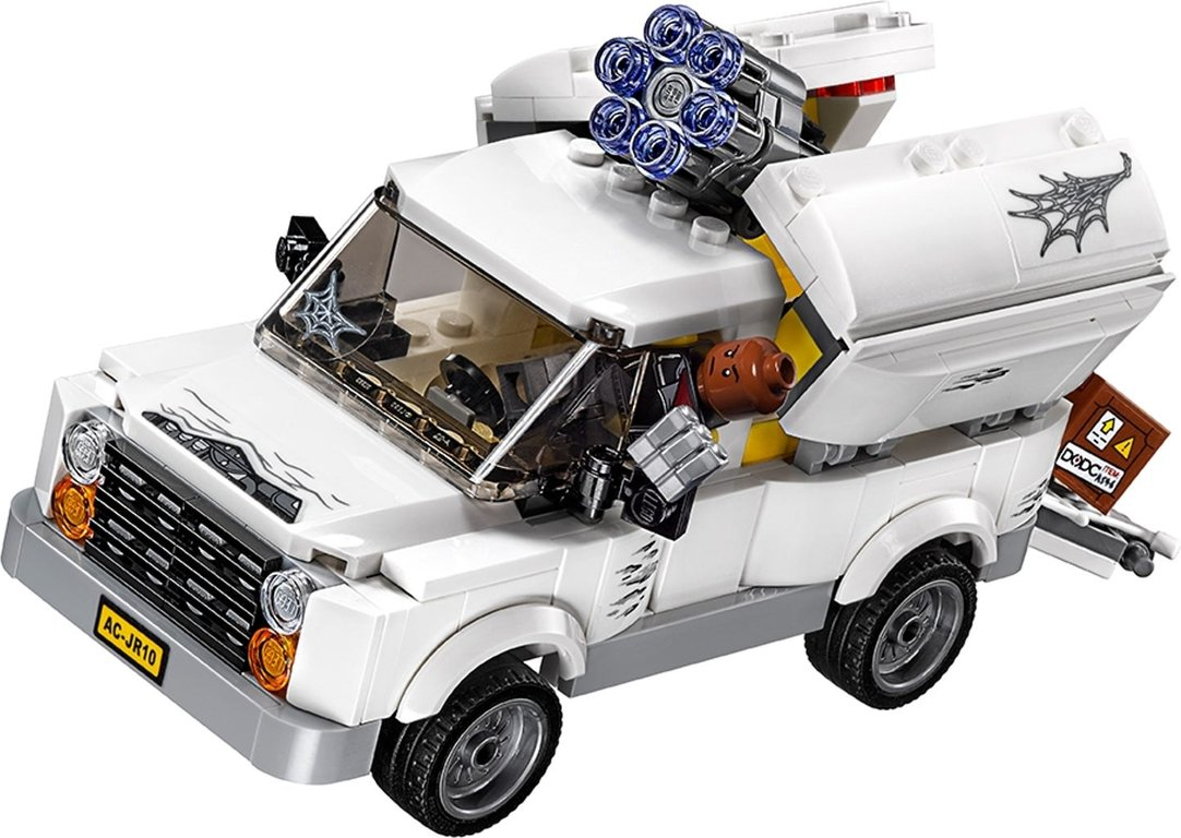 LEGO® Marvel Beware the Vulture components