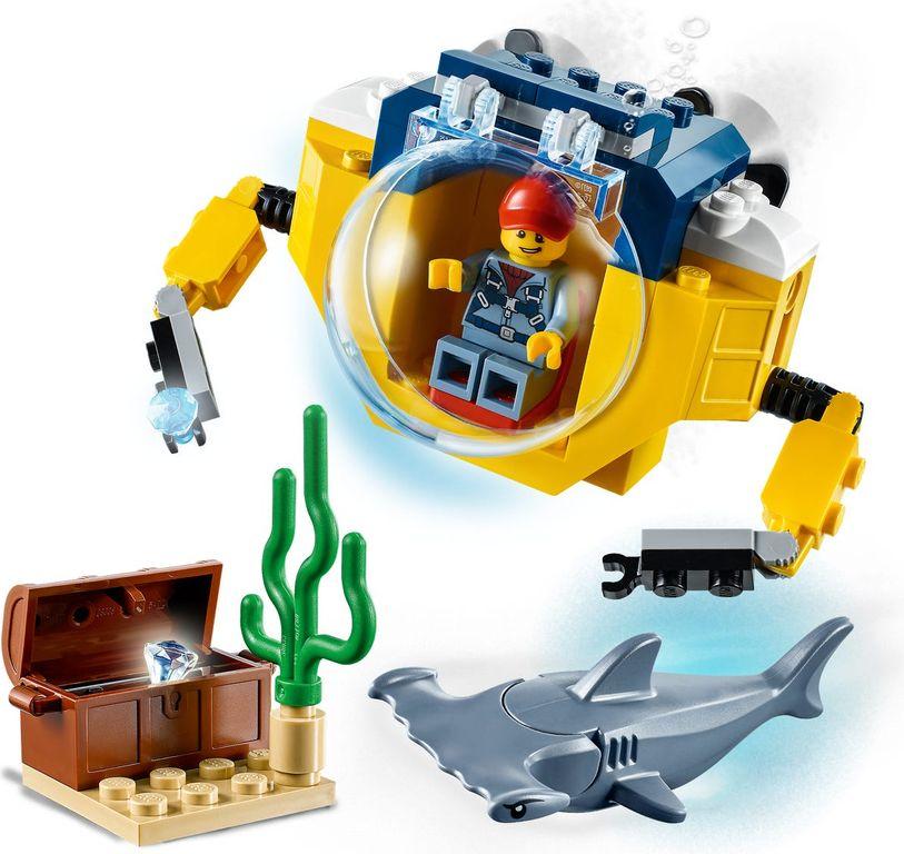 LEGO® City Ocean Mini-Submarine gameplay