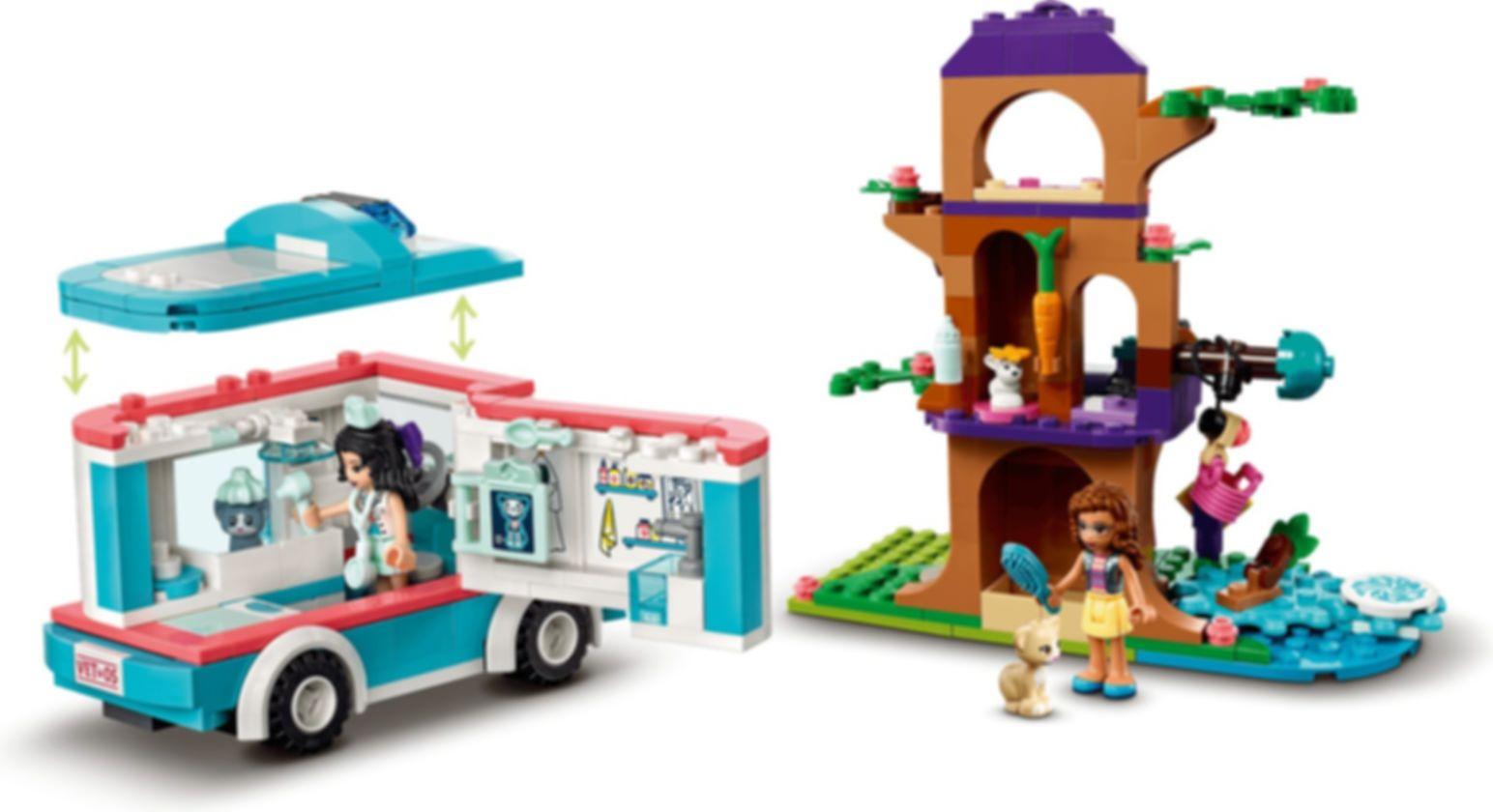LEGO® Friends Vet Clinic Ambulance gameplay