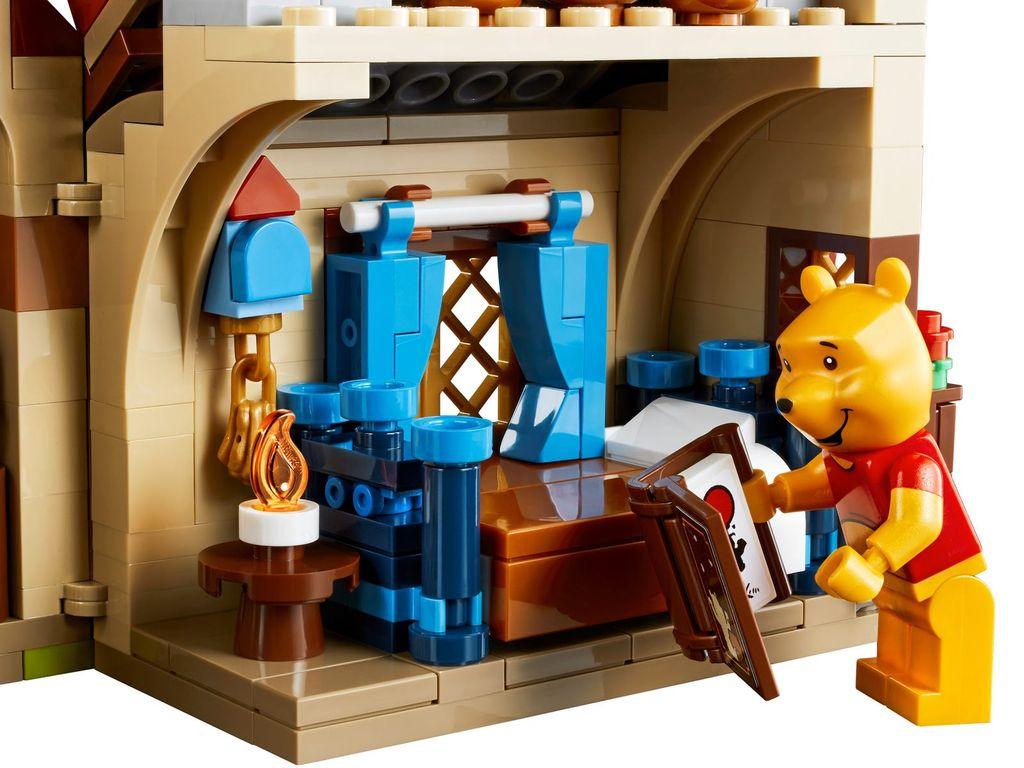 LEGO® Ideas Winnie the Pooh minifigures