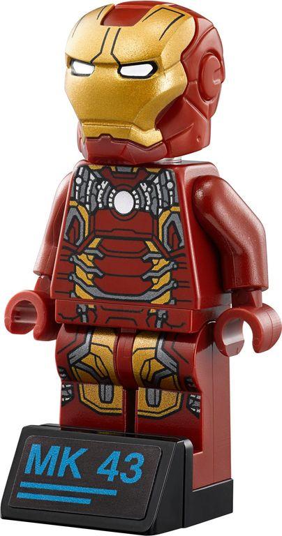 LEGO® Marvel The Hulkbuster: Ultron Edition minifigures