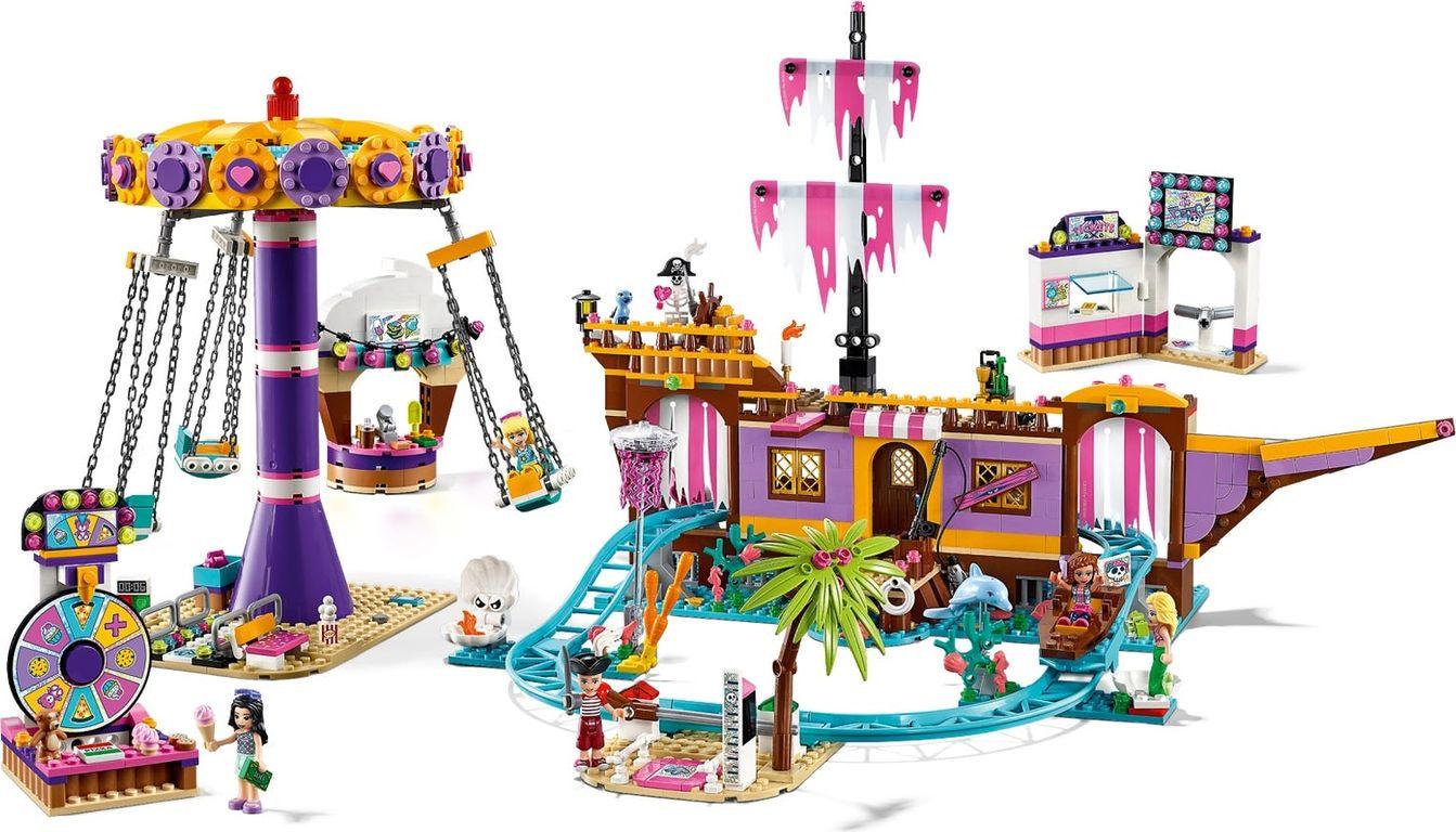 LEGO® Friends Heartlake City Amusement Pier gameplay