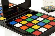 Rubik's Race gameplay