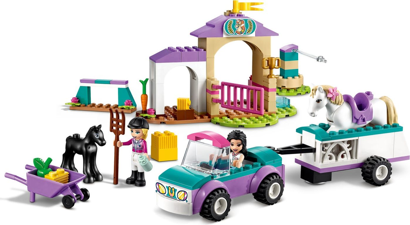 LEGO® Friends Horse Training and Trailer gameplay