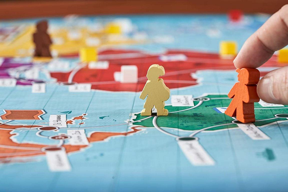 Trekking the World gameplay